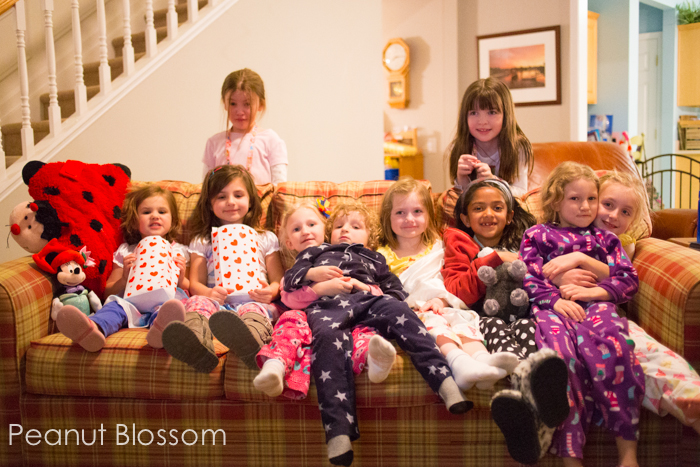 Easy #DisneySide movie party for kids