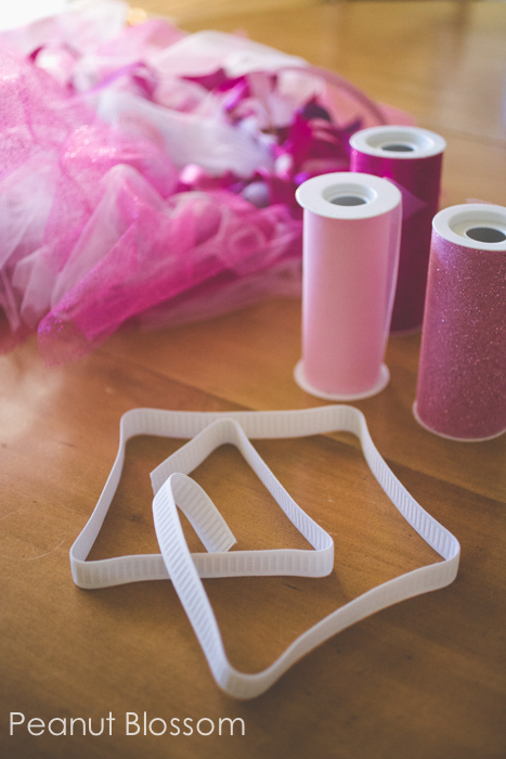 How to make a tutu: no sewing required! You can size it for both kids and adults.