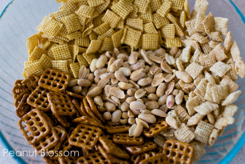 Honey Sriracha Chex mix