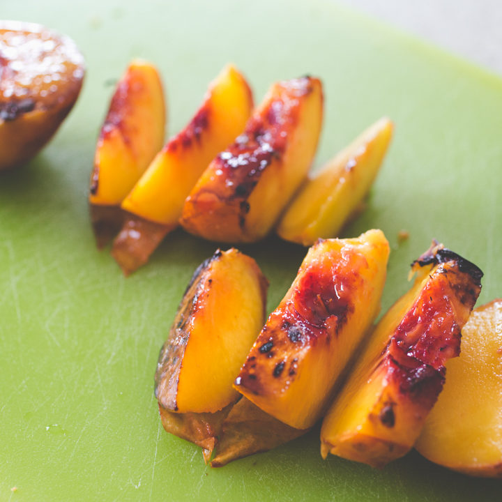 caramelized grilled peaches