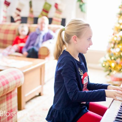 Make Grandma's Day: 10 family holiday traditions with grandparents