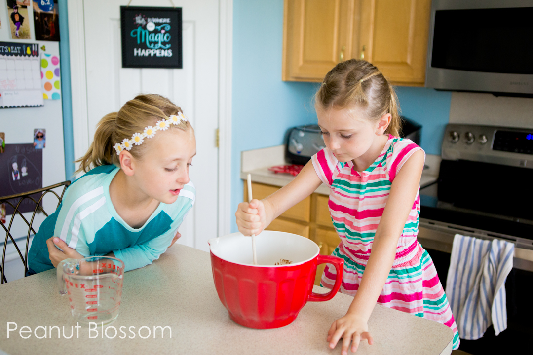 Thin Mint brownies so easy your kids can bake them!