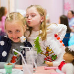 6 simple holiday traditions for moms and daughters