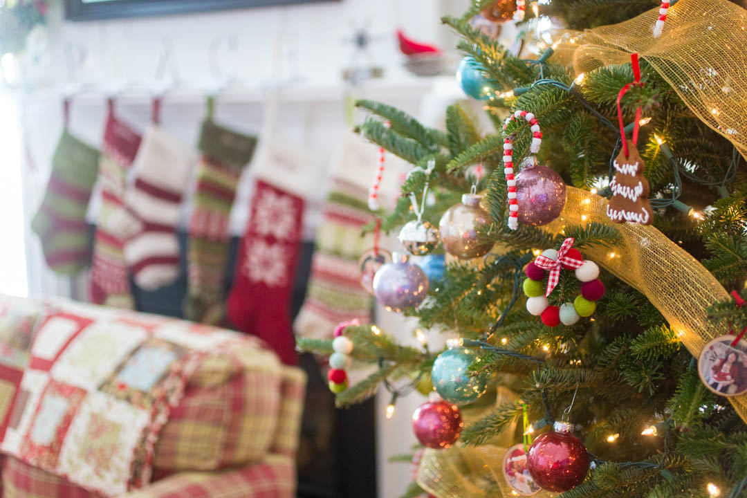Real Handmade Ornaments for your Real Christmas Tree {VIDEO}