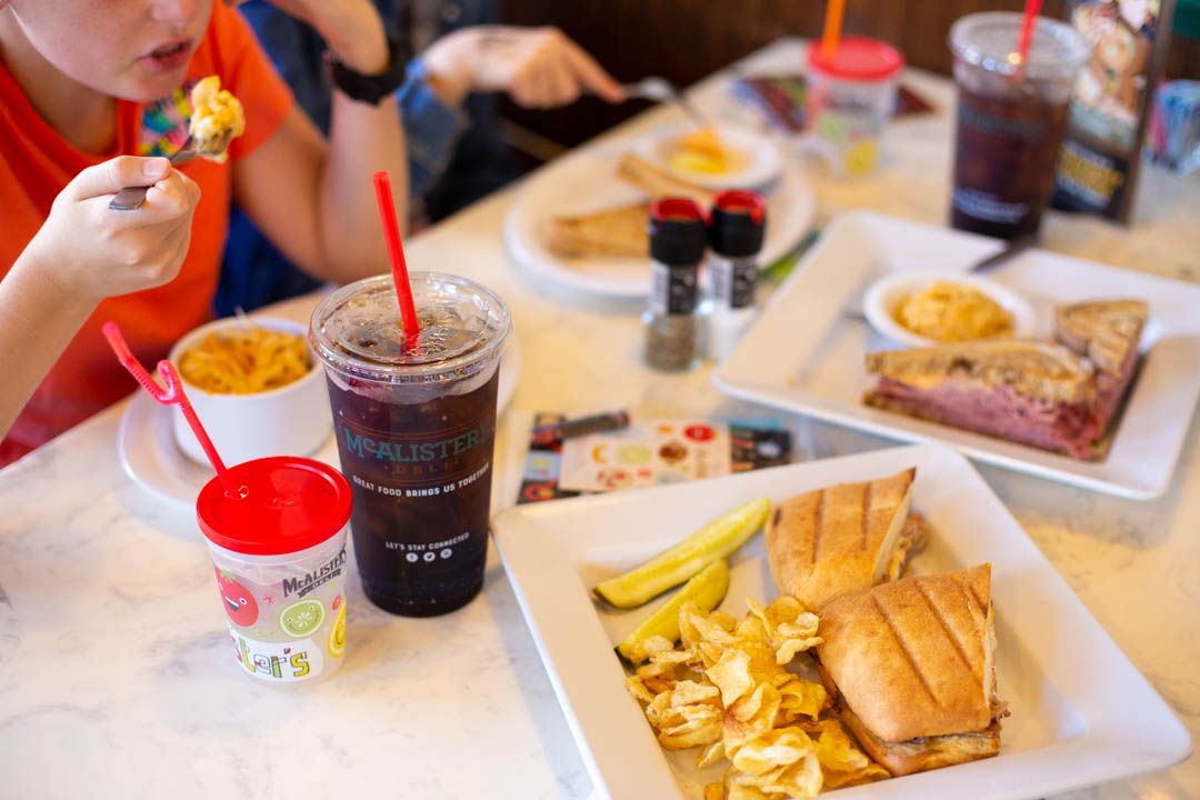 4 ways to ditch the mommy guilt over family dinner