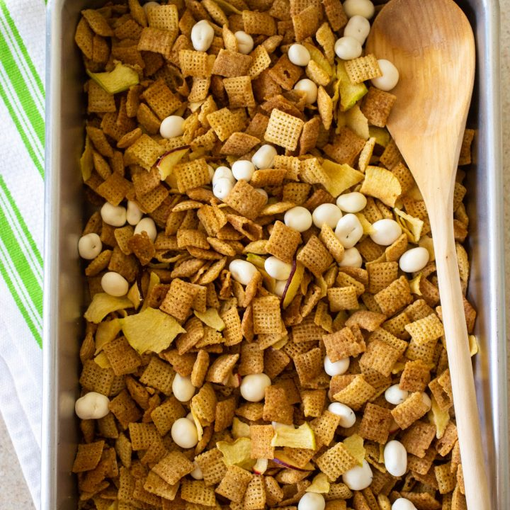 hot apple pie chex mix