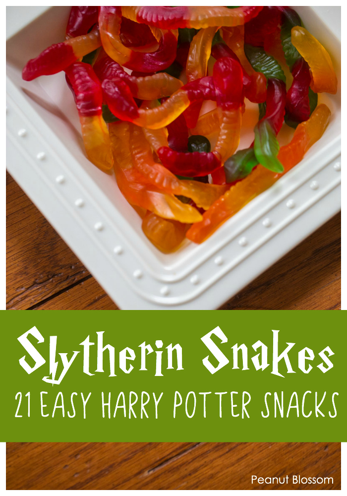 Slytherin Snakes: 1 of 21 easy Harry Potter snacks for the ultimate Harry Potter movie night.